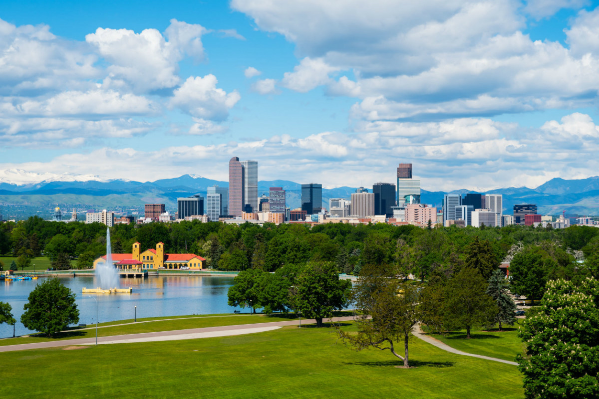 The skyline of Denver Colorado, a tech job hotspot